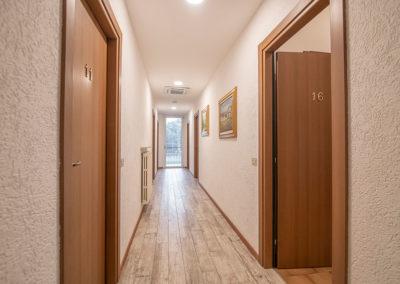 corridoio-residenza-miola